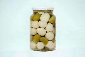 ovos de codorna com azeitona (3)